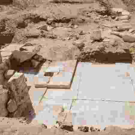 """A pequena pirâmide, construída durante a XIII dinastia (1.802-1.640 a.C.), foi localizada na necrópole de Dahshur, ao sul da capital do Egito, """"em bom estado de conservação"""" - AFP"""