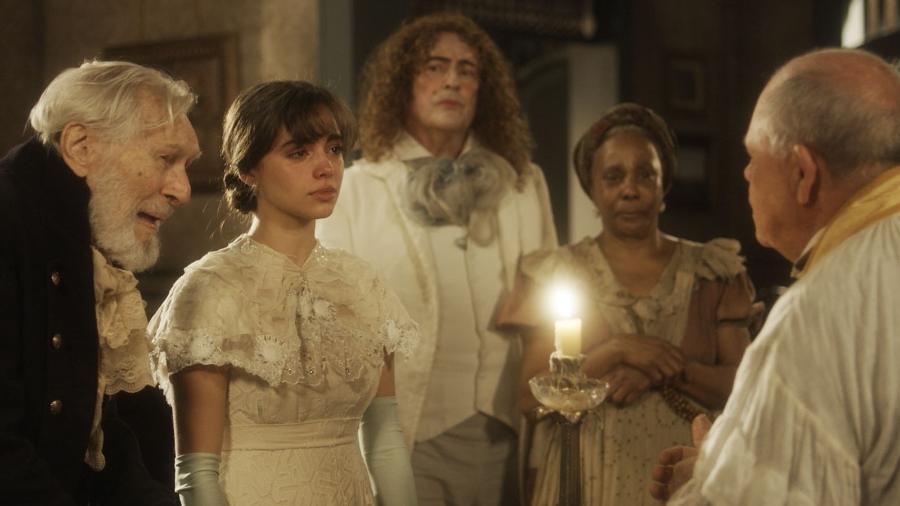 """Orozimbo (Pietro Mario) morre durante o casamento com Cecília (Isabella Dragão) em """"Novo Mundo"""" - Reprodução/GShow"""
