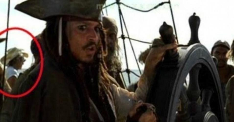 """Cena de """"Piratas do Caribe: A Maldição do Pérola Negra"""" (2003)"""