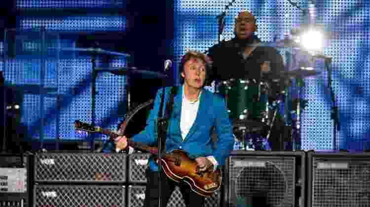 21.11.2010 - Paul McCartney toca no estádio do Morumbi, em São Paulo - Marcelo Justo/Folhapress