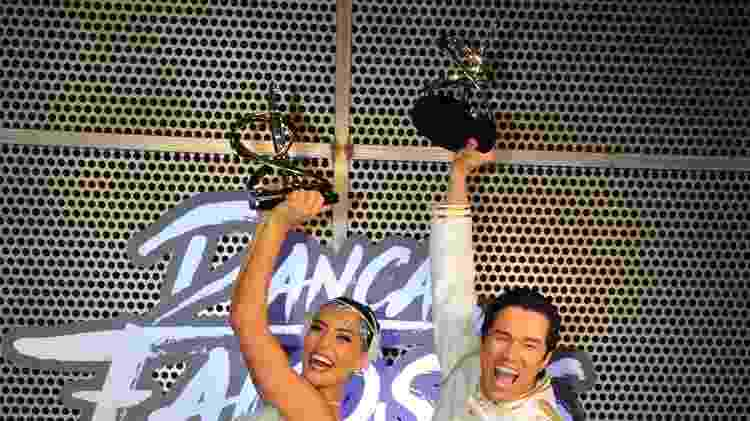 """Maria Joana e Reginaldo Sama comemoram a vitória na """"Dança dos Famosos 2017"""" - Samuel Chaves/Brazil News - Samuel Chaves/Brazil News"""
