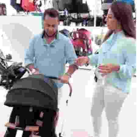 Thammy e Andressa Ferreira escolhem carrinho para o futuro filho - Reprodução/Instagram