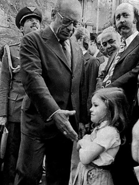 Rachel Clemens, a menina que se recusou a dar a mão ao general Figueiredo - Reprodução