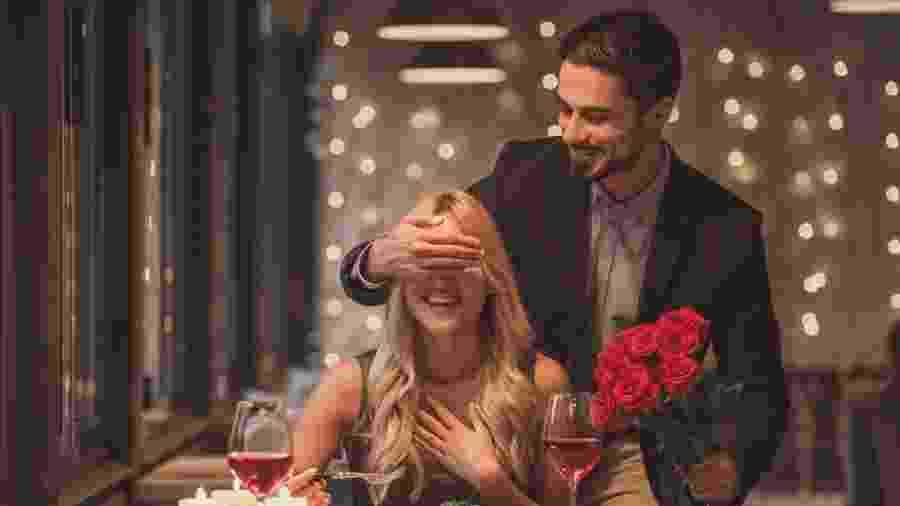 Arroubos de romantismo exagerado podem levar a um comportamento obsessivo - Getty Images/iStockphoto