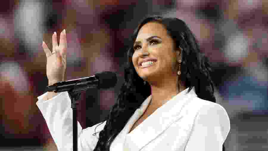 Demi Lovato canta o hino nacional norte-americano no Super Bowl 54 - REUTERS/Shannon Stapleton
