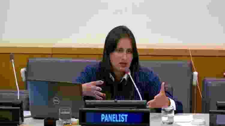 A bióloga Fernanda Lana em uma reunião na ONU - Arquivo Pessoal