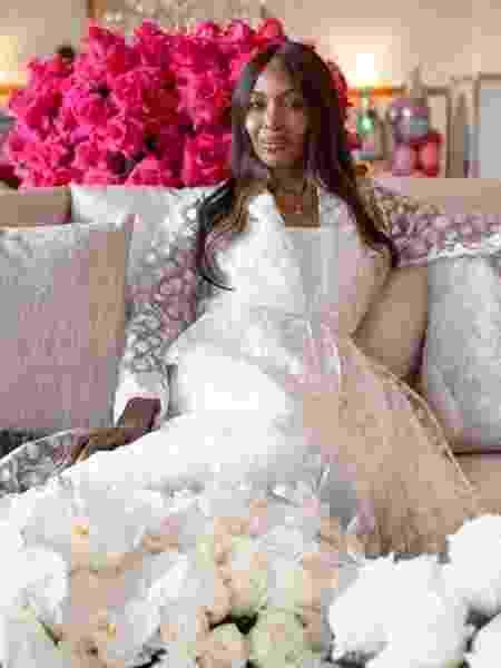A supermodelo é conhecida por quebrar barreiras na indústria da moda - Reprodução/Instagram