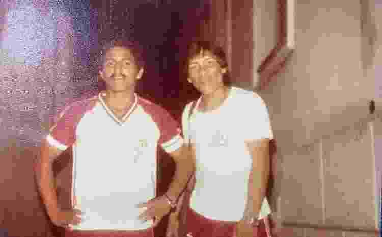 O jovem Daniel Munduruku pronto para uma pelada - Arquivo pessoal - Arquivo pessoal