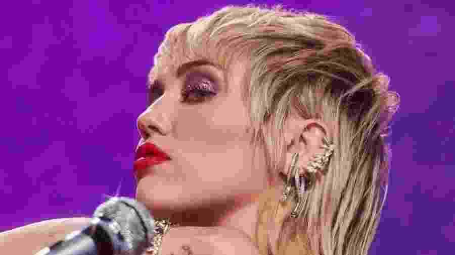 Miley Cyrus completou 28 anos ontem - Reprodução