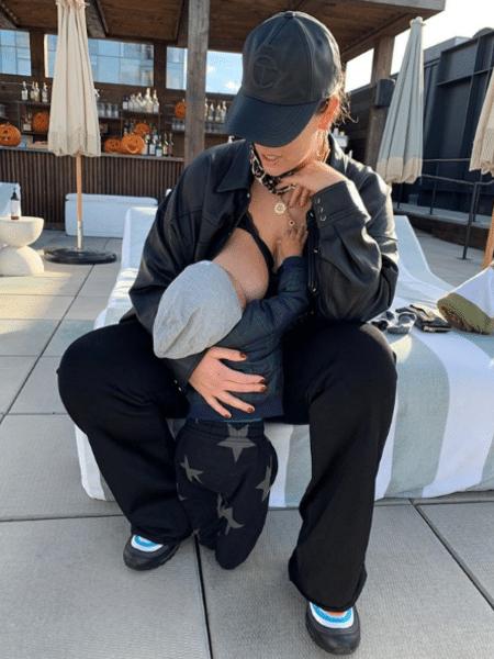 Ashley Graham compartilhou novo momento do filho Isaac em seu Instagram - Reprodução/Instagram/@ashleygraham
