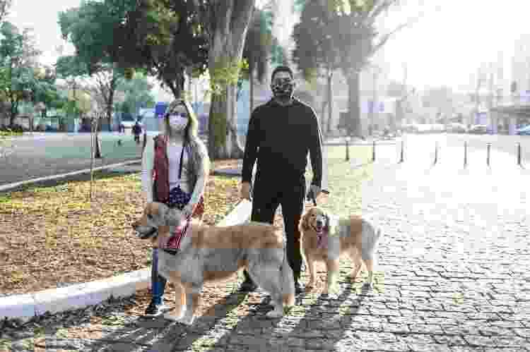 Os advogados Caroline Lourenço, 32, e Washington Rocha, 28 - Keiny Andrade/UOL - Keiny Andrade/UOL