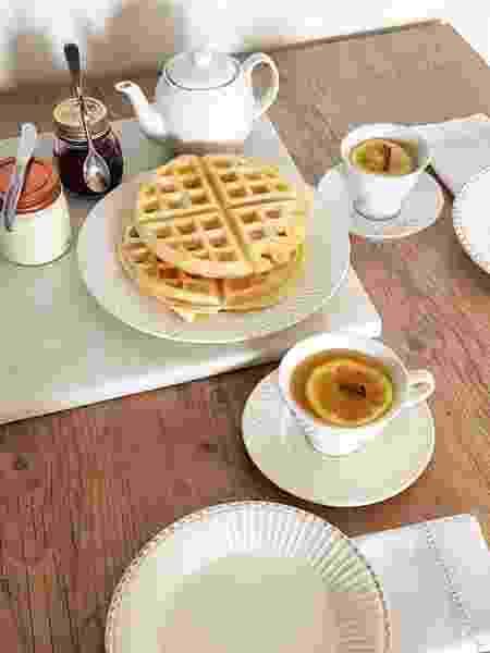 A mesma massa de pão de queijo pode ir na máquina de waffle - Marcella Andrade - Marcella Andrade