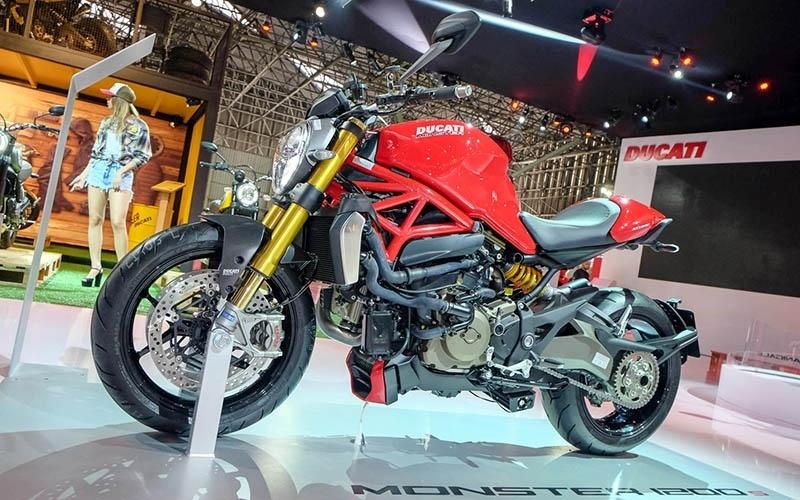 Ducati Monster 1200 S no Salão Duas Rodas 2015