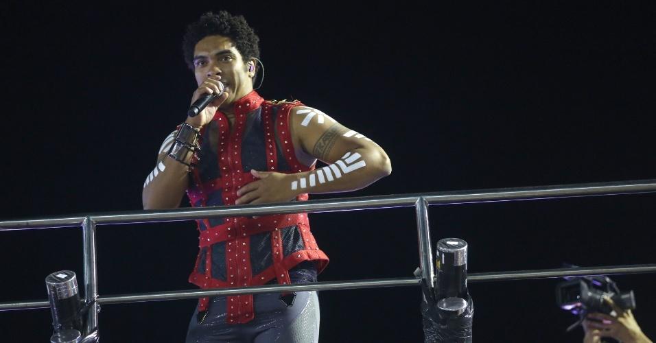 6.fev.2016 - Banda Timbalada durante show no circuito Barra-Ondina, em Salvador