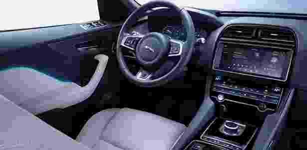 Jaguar F-Pace interior - Divulgação - Divulgação