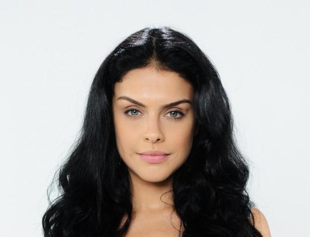 "Paloma Bernardi interpreta Samara em ""Terra Prometida"""