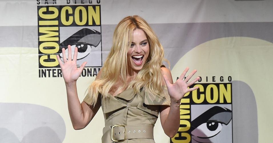 """23.jul.2016 - Margot Robbie, a Arlequina de """"Esquadrão Suicida"""", paticipa de painel durante a San Diego Comic-Con"""