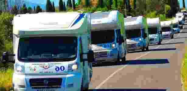 Existe até a opção de escolher participar de uma caravanas de motorhomes, como essa, que viajou pela Europa - Arquivo pessoal - Arquivo pessoal