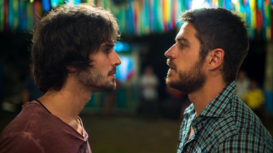 """Ruy (Fiuk) e Zeca (Marco Pigossi) são rivais em """"A Força do Querer"""" - Estevam Avellar/TV Globo"""