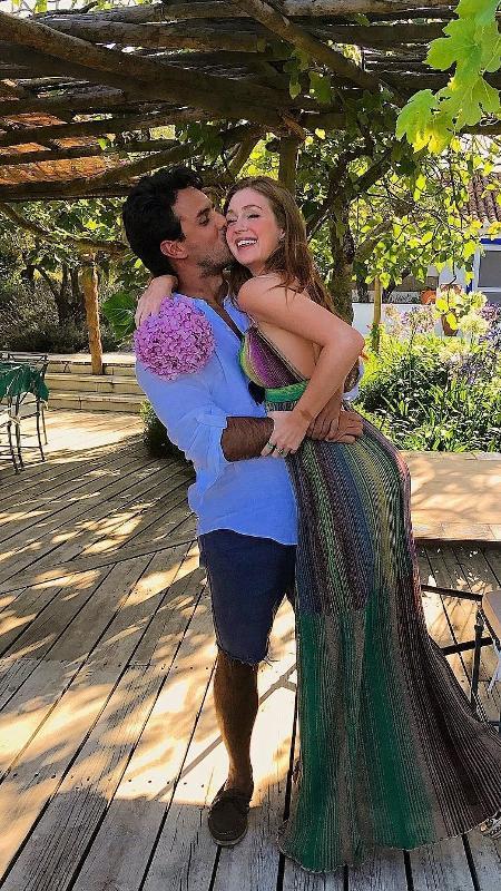 Marina Ruy Barbosa comemora 22 anos em Portugal e ganha beijo do marido, Xandinho Negrão - Reprodução/Instagram/marinaruybarbosa