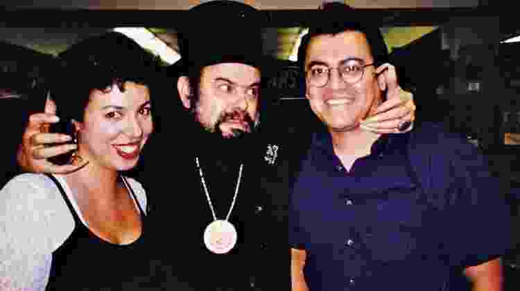 Carol Kovinick Hernandez, José Mojica Marins e Gilbert Hernandez na convenção de terror e ficção científica Horri-Fy em Los Angeles, 1994 - Arquivo pessoal