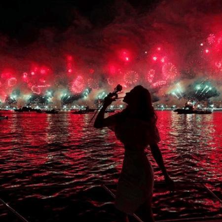 Grazi Massafera curte chegada de 2018 na praia - Reprodução/Instagram/massafera