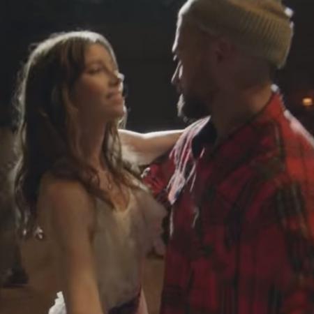 """Justin Timberlake dança com Jessica Biel no clipe de """"Man of the Woods"""" - Reprodução/YouTube"""