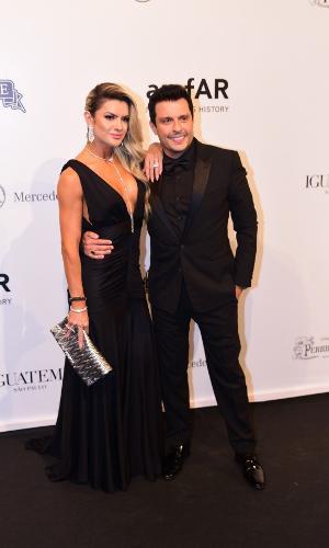 Mirella Santos e o marido, Wellington Muniz, o Ceará no baile da amfAR