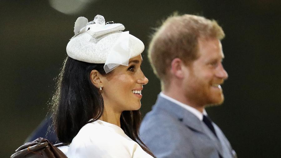 Meghan Markle e príncipe Harry dirante a cerimônia Veiqaraqaravi Vakavanua  em Fiji Imagem  Getty Images d552c004581
