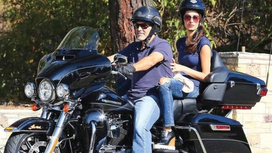 Moto Harley Davidson de George Clooney que o ator doou para a caridade - Divulgação