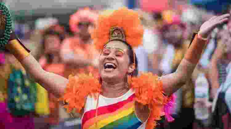 Foliã desfila no bloco Então Brilha, um dos maiores de BH - Nereu Jr/UOL