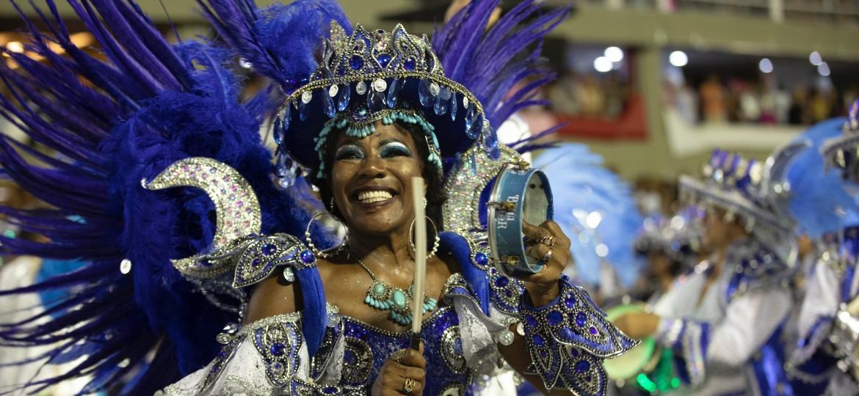 Beija-Flor encerra o noite de desfiles na Sapucaí - Luciola Vilella/UOL
