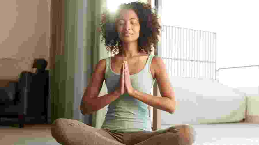 Meditação de manhã - iStock