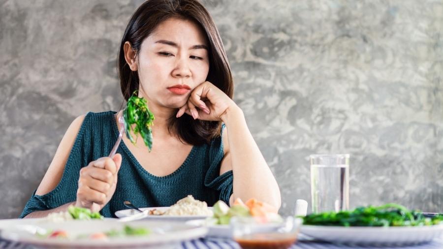 O Tare (transtorno alimentar evitativo/restritivo) não precisa acontecer apenas com vegetais, a pessoa pode não conseguir comer itens com determinada textura ou outras características - iStock