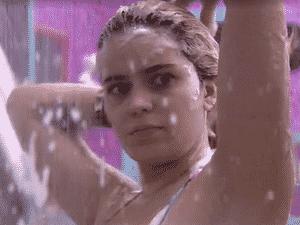 BBB 21: Viih Tube toma banho e lava o cabelo - Reprodução / Globoplay - Reprodução / Globoplay