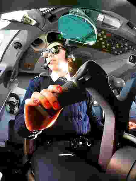A paulista de Mauá Aline Borguetti, 32, é copilota de um Airbus A380 da Emirates - Arquivo pessoal - Arquivo pessoal