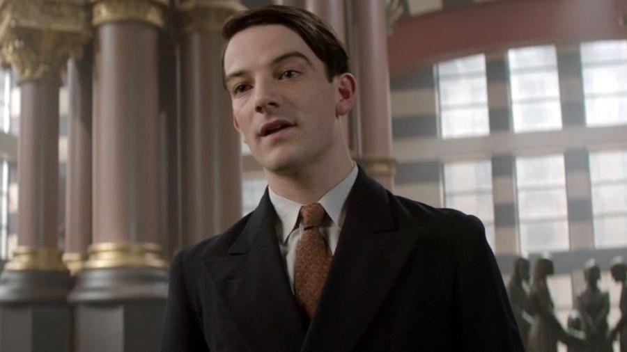 """O ator Kevin Guthrie como Abernathy em """"Animais Fantásticos"""" - Reprodução"""