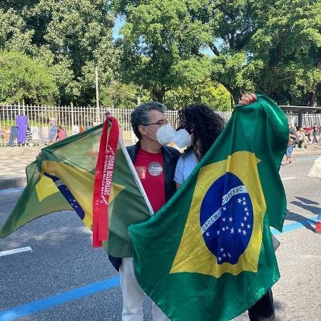 Paulo Betti e Dadá Coelho nas manifestações contra Bolsonaro - Reprodução/Instagram