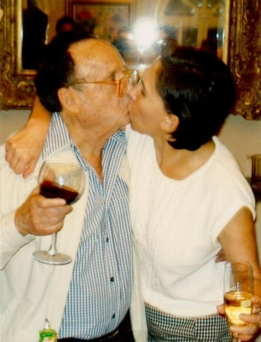 22.jul.2015 - Bolaños e Florinda Meza eram casados desde 2004. Ele era pai de Roberto, Paulina, Graciela, Marcela, Teresa e Cecília, frutos do primeiro casamento, com Graciela Fernández Pierre