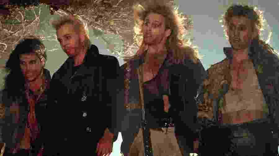 """Cena do filme """"Os Garotos Perdidos"""" (1987), de Joel Schumacher - Reprodução"""