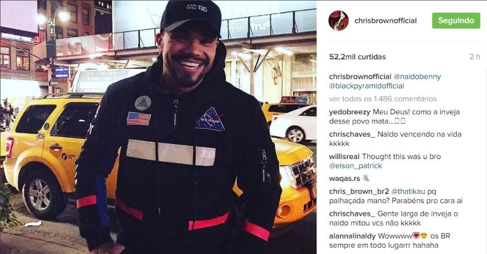 8.dez.2016 - Chris Brown compartilha foto de Naldo no Instagram e brasileiro vibra