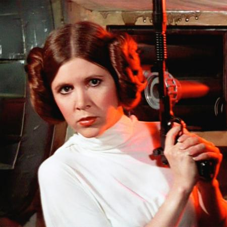 """A princesa Leia (Carrie Fisher) em cena de """"Star Wars: Episódio 4 - Uma Nova Esperança"""" - Divulgação"""