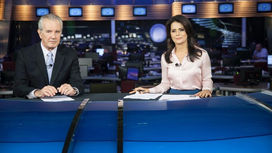 """Celso Freitas e Adriana Araújo no """"Jornal da Record"""" - Edu Moraes/Divulgação/TV Record"""