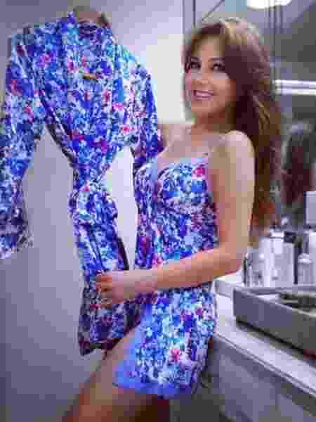 Aos 46 anos, Thalía mostra corpaço em foto de camisola - Reprodução/Instagram/thalia