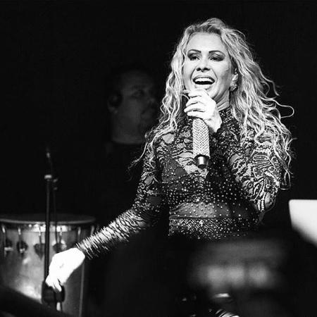 Joelma foi derrubada por uma fã no show em São Paulo - Reprodução/Instagram Joelma