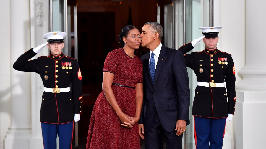 Michelle e Barack Obama na despedida da Casa Branca, em janeiro - Getty Images