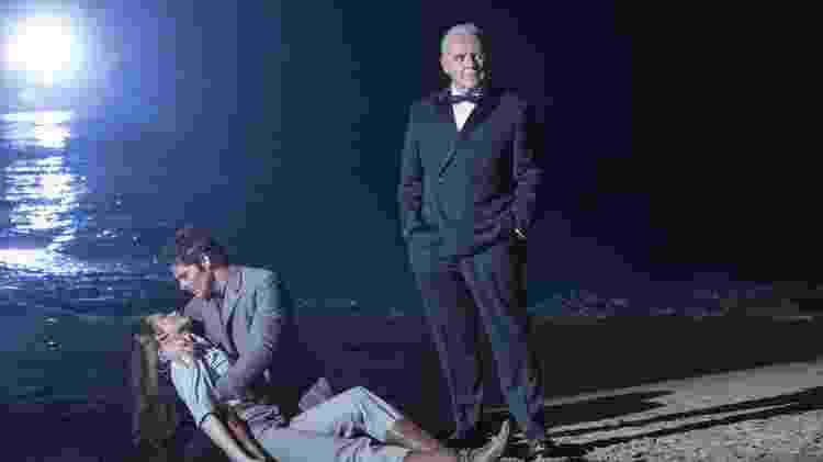 """Robert Ford (Anthony Hopkins, à dir.) com Dolores (Evan Rachel Wood) e Teddy (James Marsden) em cena da primeira temporada de """"Westworld"""" - Divulgação - Divulgação"""