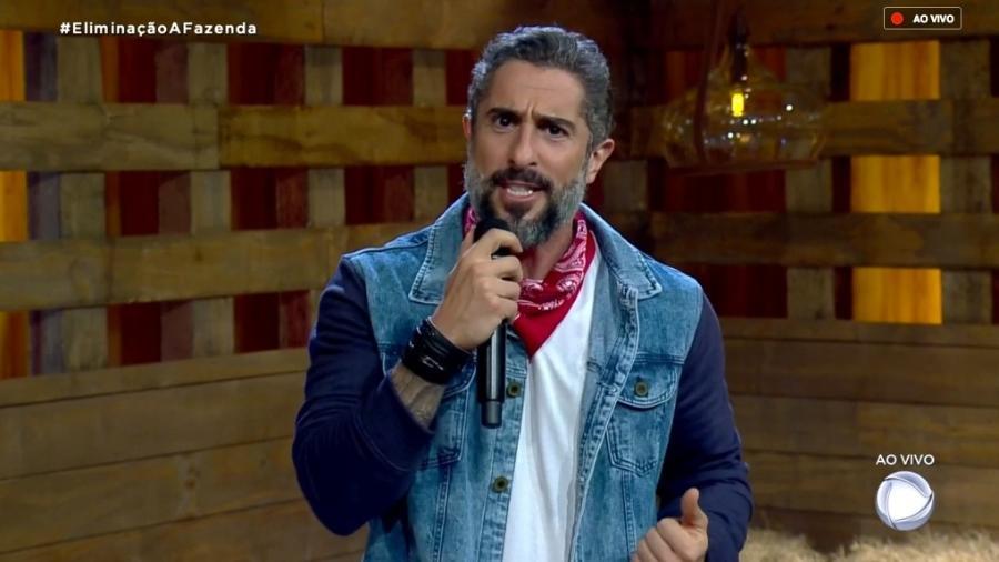 Marcos Mion fala com o público sobre o poder da chama vermelha  - Reprodução/RecordTV