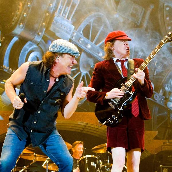 Reunido com o vocalista Brian Johnson, o AC/DC lançará o disco 'POWER UP' em novembro