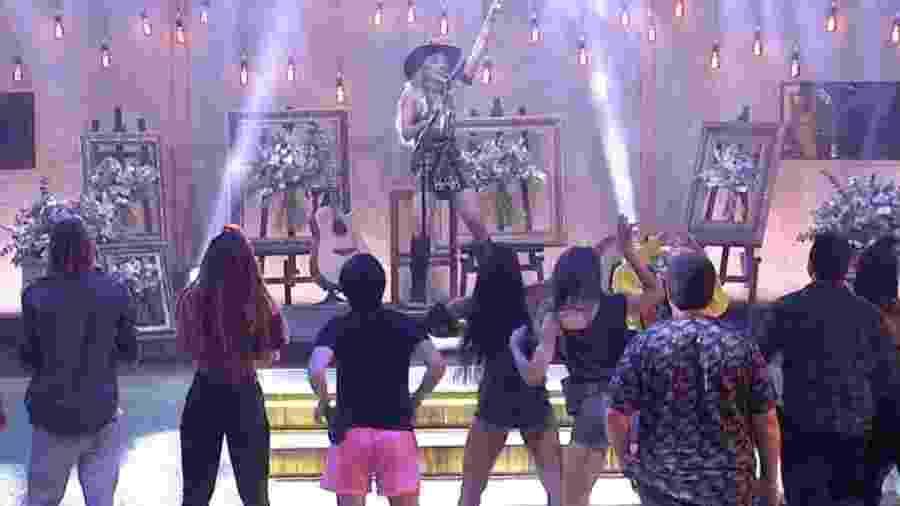 BBB 20: Gabi canta em festa do líder - Reprodução/Globoplay